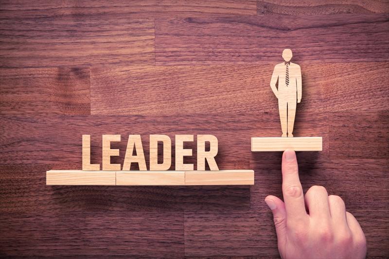 リーダーシップの種類と理論とは?たった1つの要素が動かす仕事力