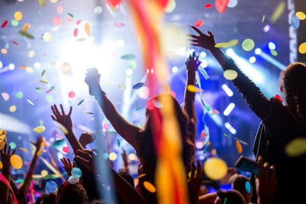 大人数の宴会で確実に盛り上がるゲームを幹事歴10年の宴会部長がお伝えします!