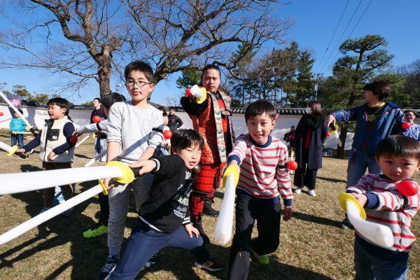 【丸亀城 新春の陣】お城での歴史イベントはチャンバラ合戦で盛り上げる!
