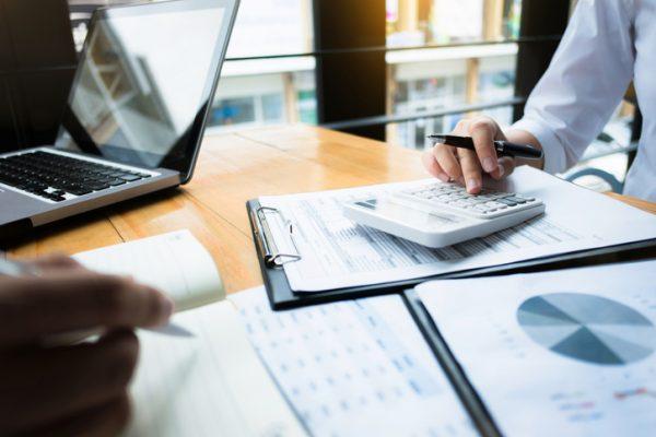 ユニークな社内イベントアイデアと予算