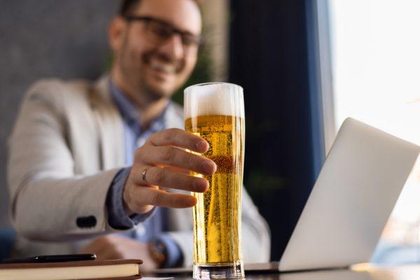 失敗しないリモート飲み会!ポイントや注意点、おすすめツールをご紹介