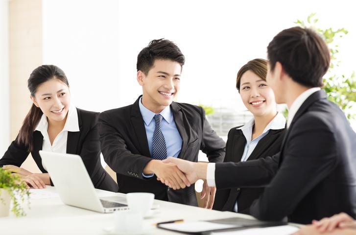 ビジネスコミュニケーションの秘訣|社内コミュニケーションの活性化方法もご紹介