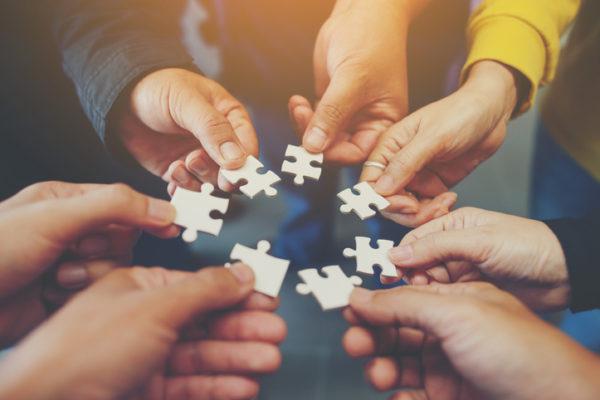 アクティブラーニングとグループワークの違いを分かりやすく解説