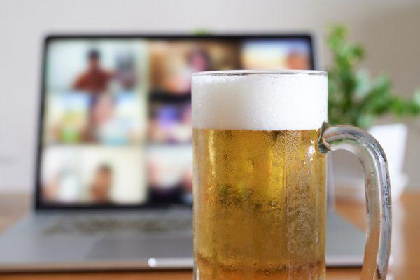 企業のオンライン飲み会におすすめのフード宅配サービスを紹介!