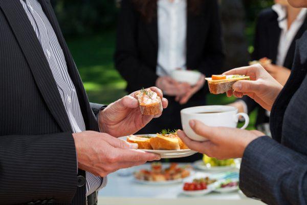 軽食で社内イベントを気軽に楽しもう!おすすめのデリバリーをご紹介