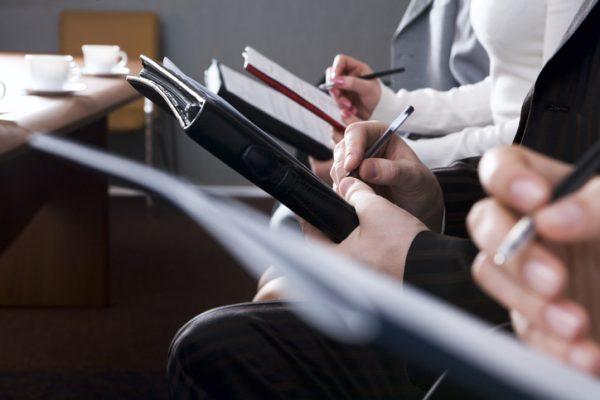 ビジネス研修の目的とは?狙いや効果、種類などを解説