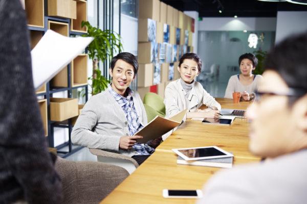 モチベーションを高める職場環境とは?【注意点から施策事例まで紹介】